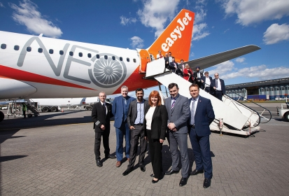 easyJet showcases its new Airbus A320neo at Glasgow Airport and continues its decarbonisation strategy